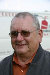 <b>Hans Riegler</b> ist Brandschutztechniker, Wartung von Feuerlöschern, <b>...</b> - pic_17848